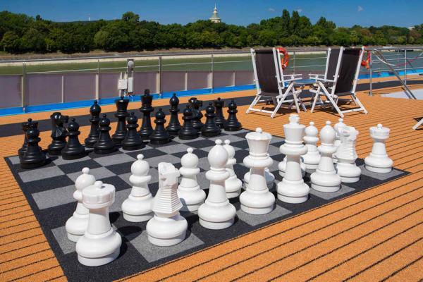 AmaCello-Sundeck Chess