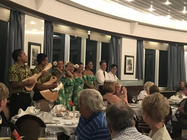 Surprise dinner performance from Les Gauguines
