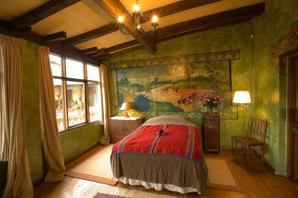 Antique design decorate the suite at Hacienda San Augustin de Callo