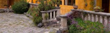 Take a stroll through the beautiful courtyard at San Agustin de Callo