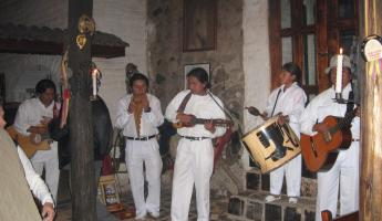 Enjoy traditional Andean music