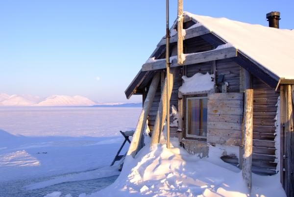 Bamsebu, the historic trappers' cabin where Hilde and Sunniva will live for 9 months