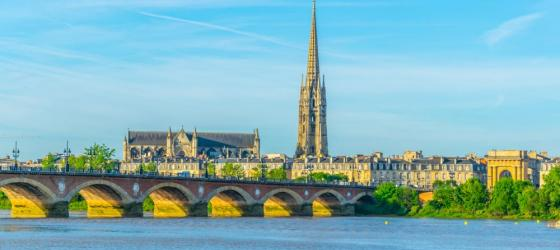 Explore the historic cities and towns of the Bordeaux region