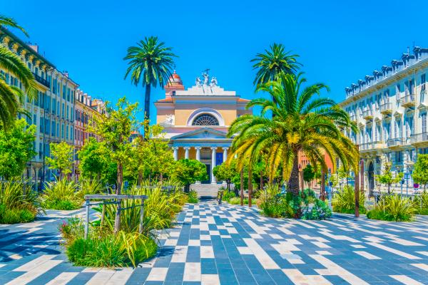Explore colorful Nice