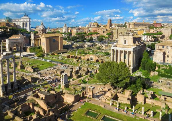 Visit the Forum Romanum, the center of ancient Rome