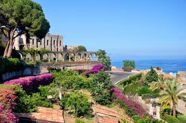 Relax in beautiful Sicily