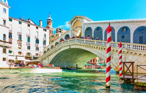 Discover distinctive Venetian architecture