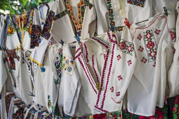 Find traditional Ukrainian textiles in markets