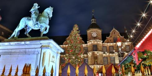 Explore a Christmas market in Dusseldorf