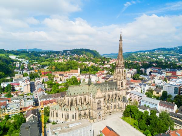 Explore the charming Austrian town of Linz