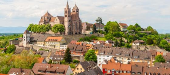 Explore quaint towns along the Rhine