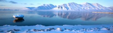 Glass-still waters around Spitsbergen