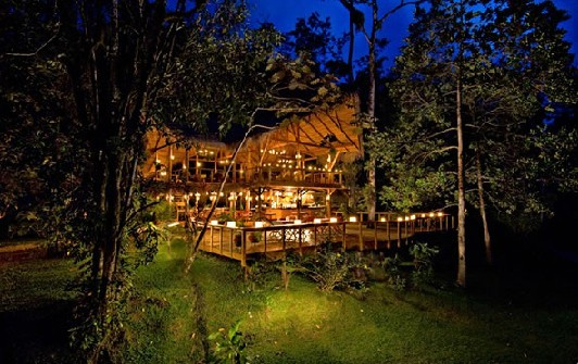Enjoy the night sky at the Pacuare Lodge
