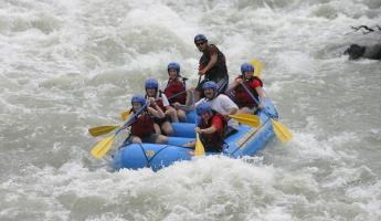 All forward! Whitewater rafting on the Pacuare River