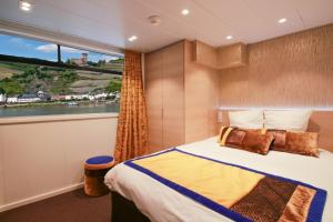 MS Symphonie Main Deck Suite