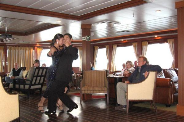 tango demonstration before we left port