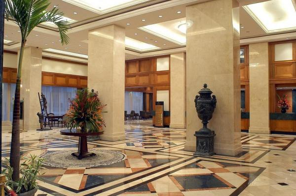 Lobby of the Hotel Oro Verde