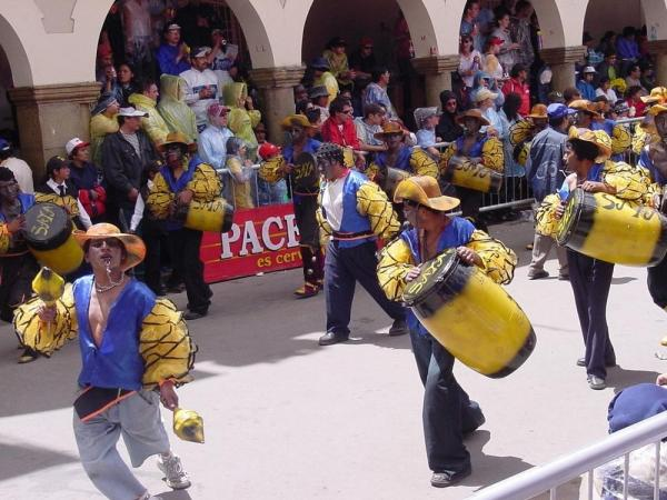 Musicians in main plaza during Oruro Carnaval