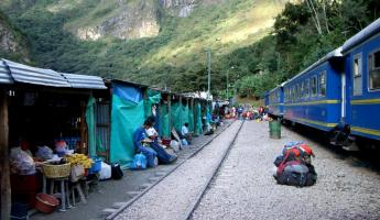 train stop going to Aquas Calientes