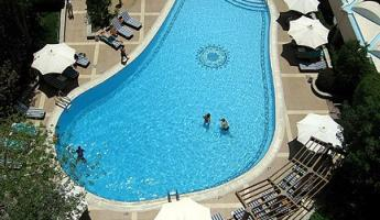 Swimming pool at Conrad Hotel in Cairo