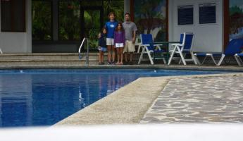 Day 8: Goodbye CR: the pool at Hotel Bougainvillea