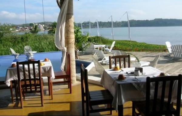 Savor local flavors in the breeze from the lake