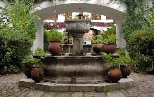 Be surrounded by fountains & gardens