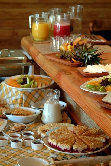 Expansive complimentary breakfast buffet