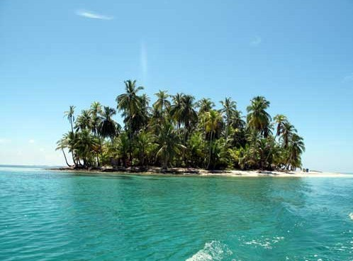 Experience the blue seas of San Blas