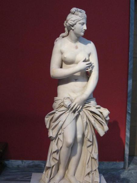 Aphrodite sculpture in Natl Archaeological Museum of Athens