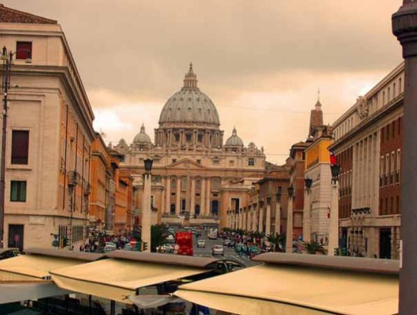Explore the streets of Rome