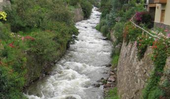 river outside Ollantaytambo