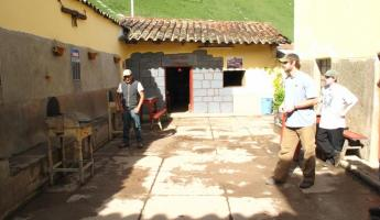 Playing darts in the Sacred Valley