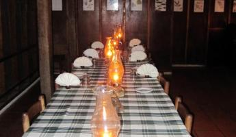 The dining room at Pook\'s - Family style