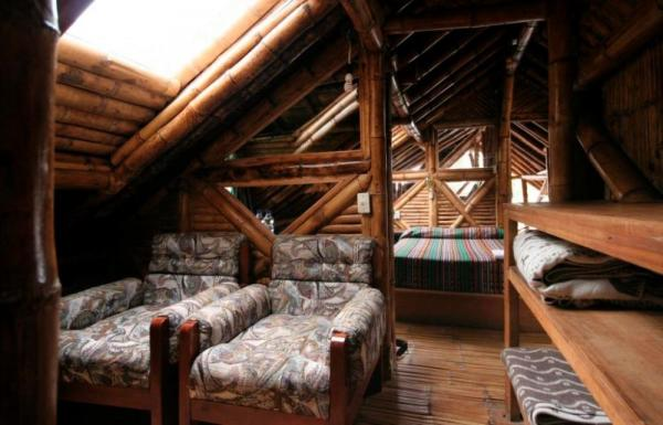 Sitting area in a double room at Bellavista Cloudforest Lodge near Mindo