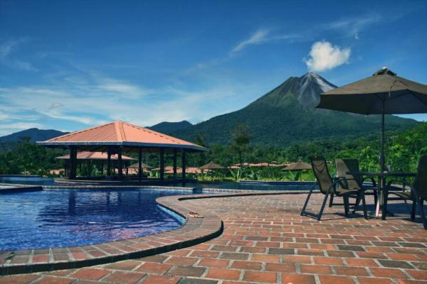Arenal Manoa-pool area