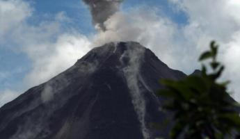 One of the many Arenal eruptions--BANG!!!THUNDER!!BOOM!!