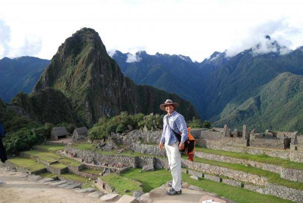 Marco, our guide with Wayna Picchu in background