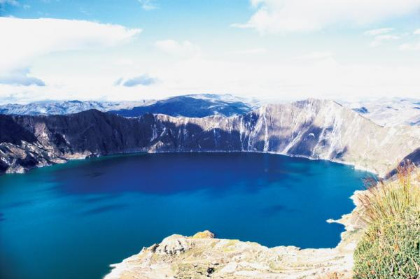 Discover Quilatoa volcanic lake on an Ecuador trip