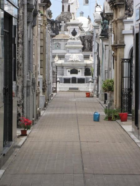 An alley in Recoleta\'s Cemetery