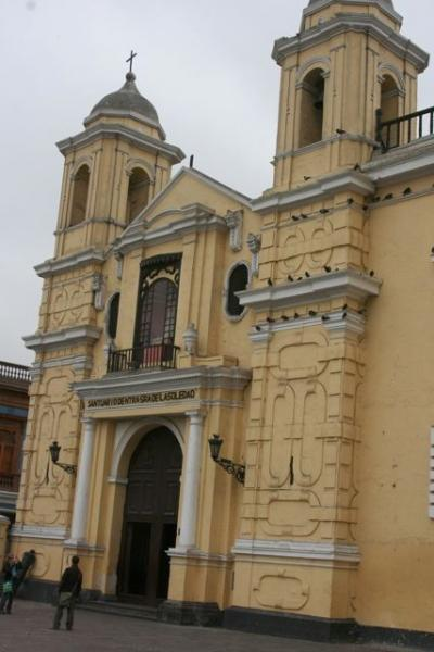 One of the many architecturally beautiful churches in Lima