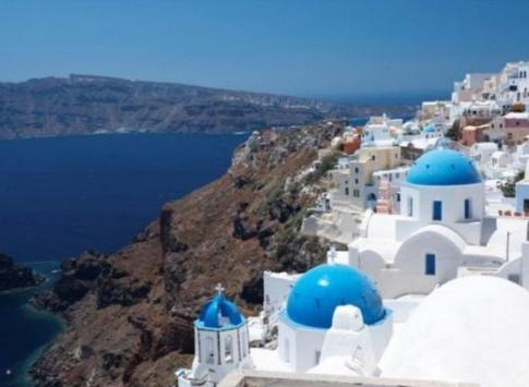 The stunning whitewashed beauty of Santorini