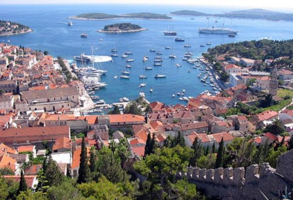 Wander the streets of Hvar