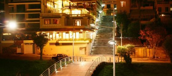Explore the nightlife of historic Cuenca from Hotel Crespo