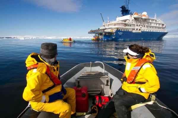 Cruising the polar waters in a zodiac