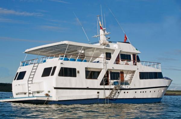 Explore the Galapagos aboard the Galaven I