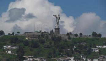 Statue of Our Lady on Panecillo