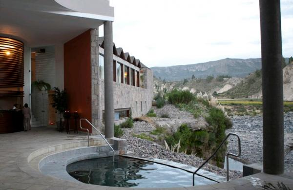 The hotel has a complete eco-spa with a variety of services and jacuzzi