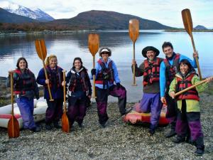 Paddlers loving their tour of Tierra del Fuego