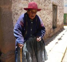 Old woman in Peru